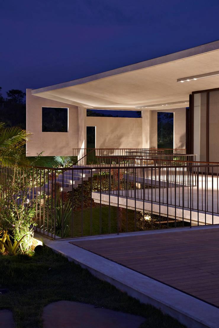 Modern style gardens by Humberto Hermeto Modern
