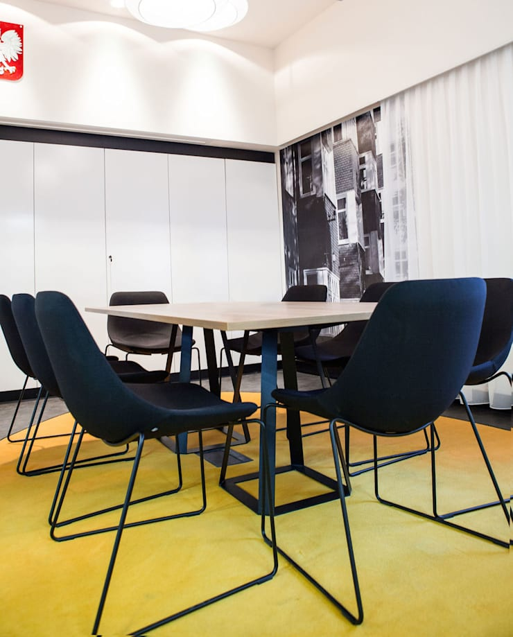Zabrzańskie Centrum Rozwoju Przedsiębiorczości: styl , w kategorii Przestrzenie biurowe i magazynowe zaprojektowany przez Pracownia Architektury Cechownia