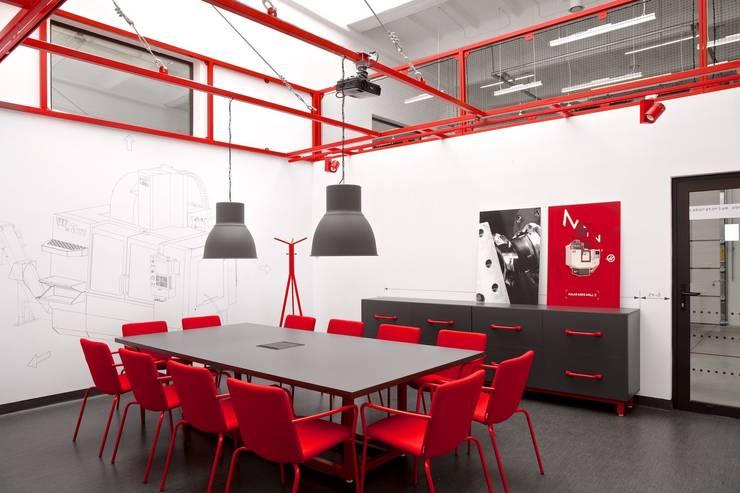 Laboratorium HAAS: styl , w kategorii Szkoły zaprojektowany przez Pracownia Architektury Cechownia