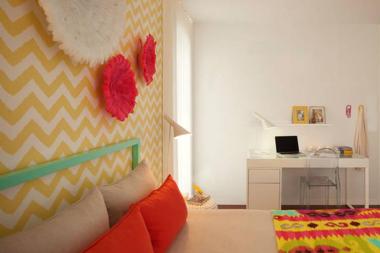 Girly Room: Quartos  por Ana Rita Soares- Design de Interiores