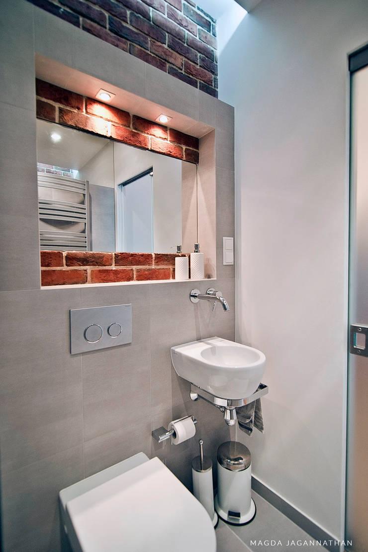 Mieszkanie <q>D</q>: styl , w kategorii Łazienka zaprojektowany przez PRACOWNIA PROJEKTOWA JAGANNA,Minimalistyczny