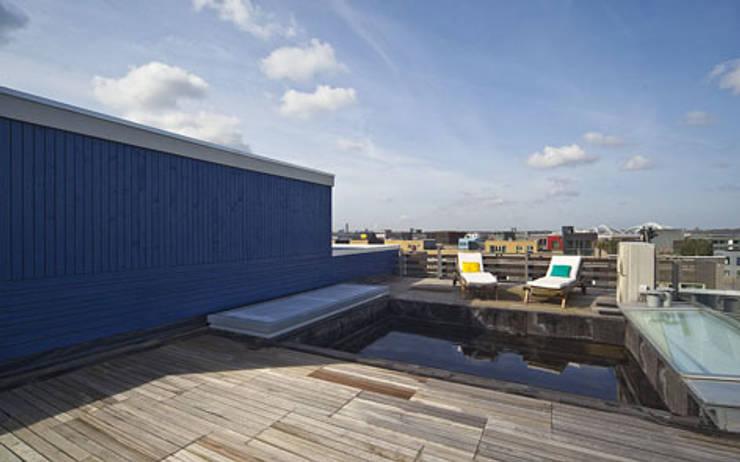 Herenhuis IJburg Steigereiland, dakterras:  Terras door Florian Eckardt - architectinamsterdam