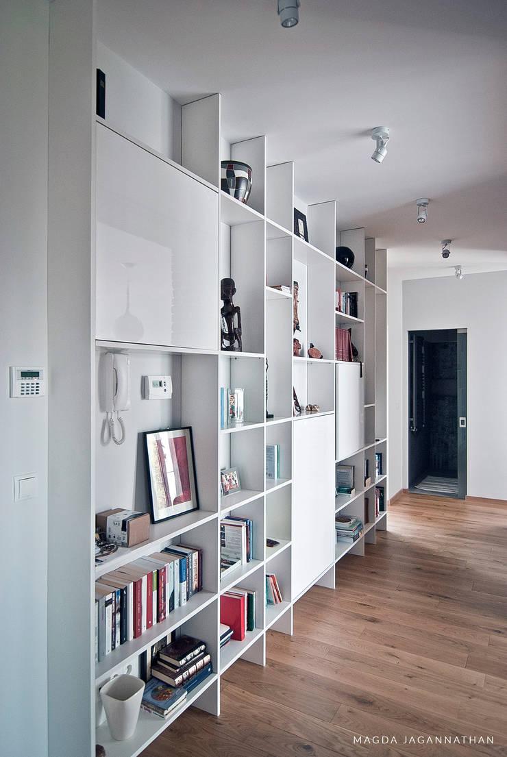 """Mieszkanie """"D"""": styl , w kategorii  zaprojektowany przez PRACOWNIA PROJEKTOWA JAGANNA,Skandynawski"""