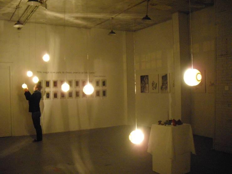 Gravures de lumière: Salon de style  par ici et maintenant
