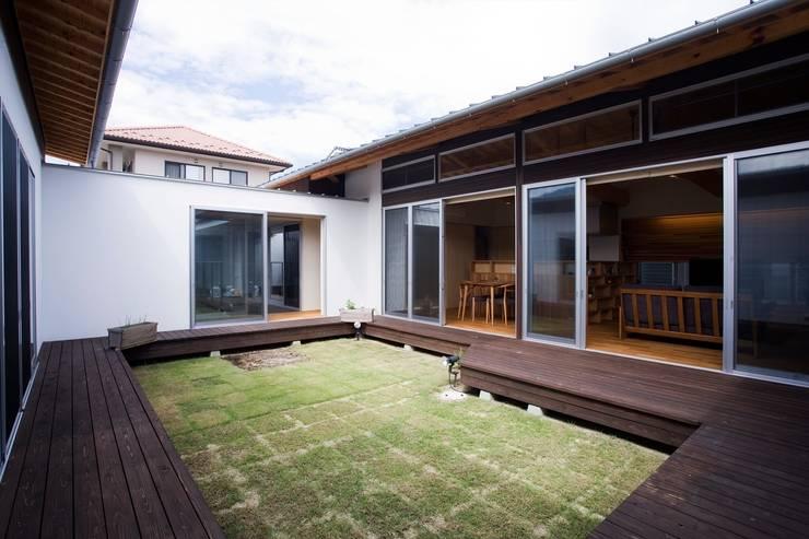 Vườn theo Y.Architectural Design, Hiện đại