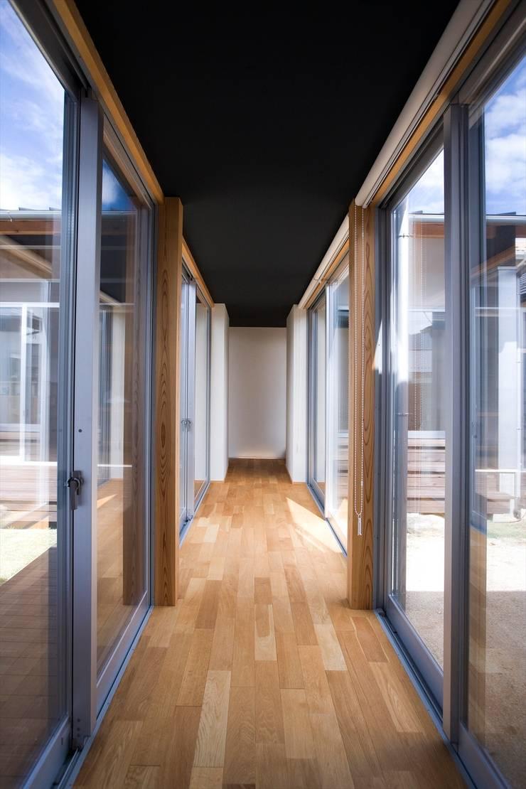 Hành lang theo Y.Architectural Design, Hiện đại