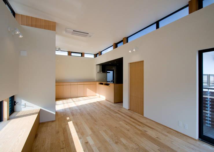 Salon de style  par Y.Architectural Design, Moderne
