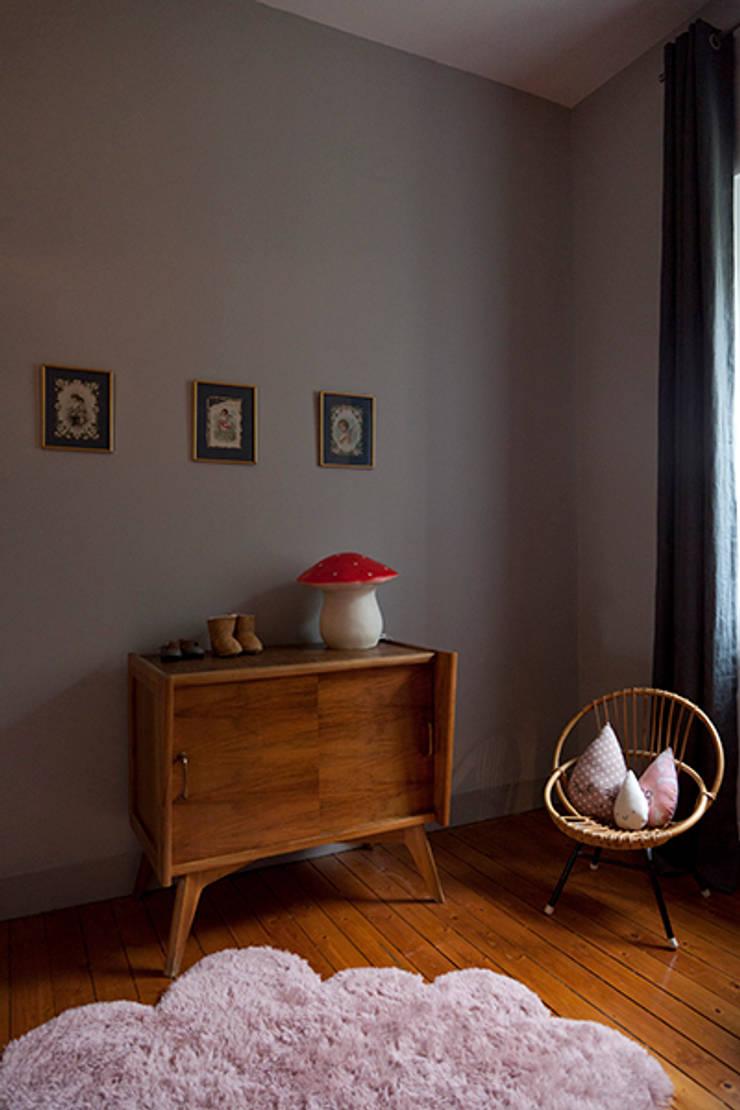 Maison à Francheville: Chambre de style  par Tymeno
