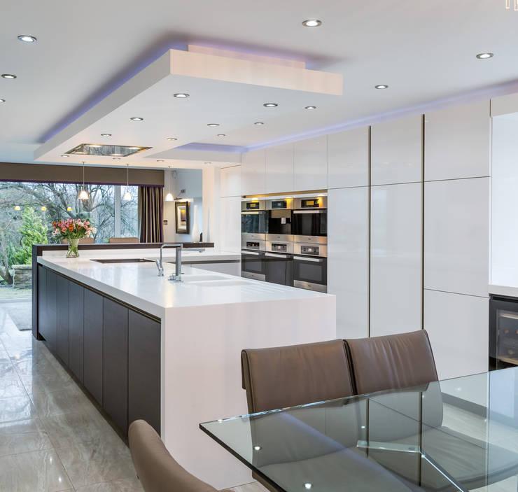 Blackburn Kitchen:  Kitchen by Stuart Frazer