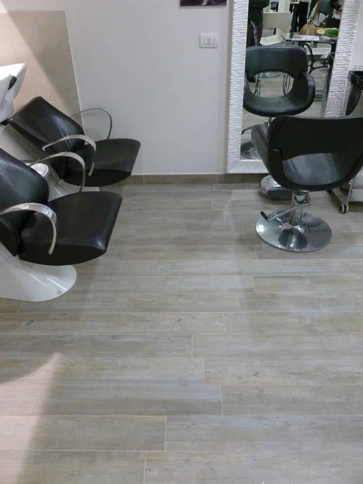 Hair Style – Rimini: Negozi & Locali commerciali in stile  di Fersini Marco - Pavimenti e Rivestimenti interni ed esterni, Moderno