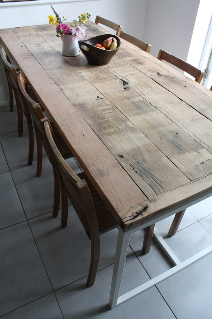 Deben Dining table in reclaimed French oak:  Kitchen by Salvation Furniture
