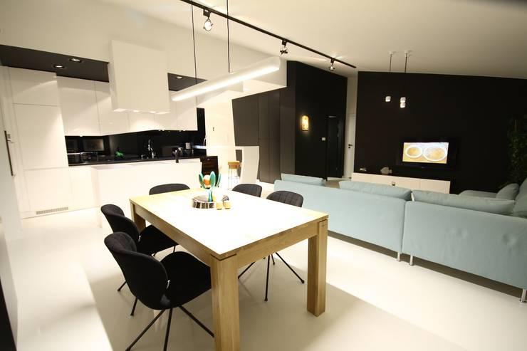 Jadalnia- realizacja: styl , w kategorii Salon zaprojektowany przez Orange Studio