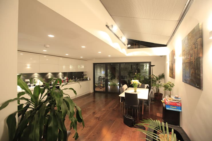 Clapham - Ground Floor Rear Extension and Interior Remodelling:  Dining room by Arc 3 Architects & Chartered Surveyors