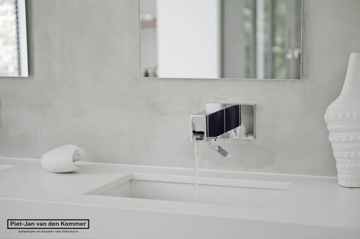 Wasmeubel:  Badkamer door Piet-Jan van den Kommer,