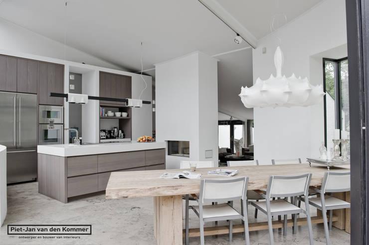 Kitchen by Piet-Jan van den Kommer, Modern