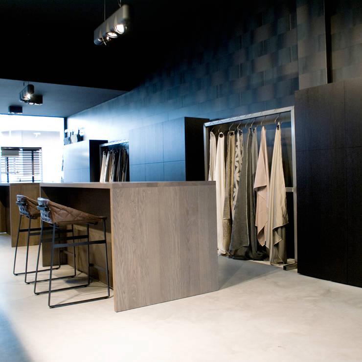 Metal Quilt:  Muren & vloeren door Dofine wall | floor creations,