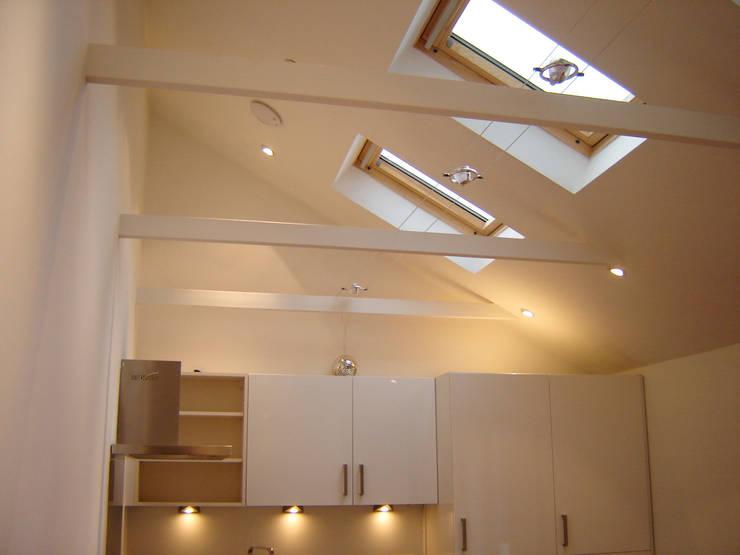 Loft:  Kitchen by Arc 3 Architects & Chartered Surveyors