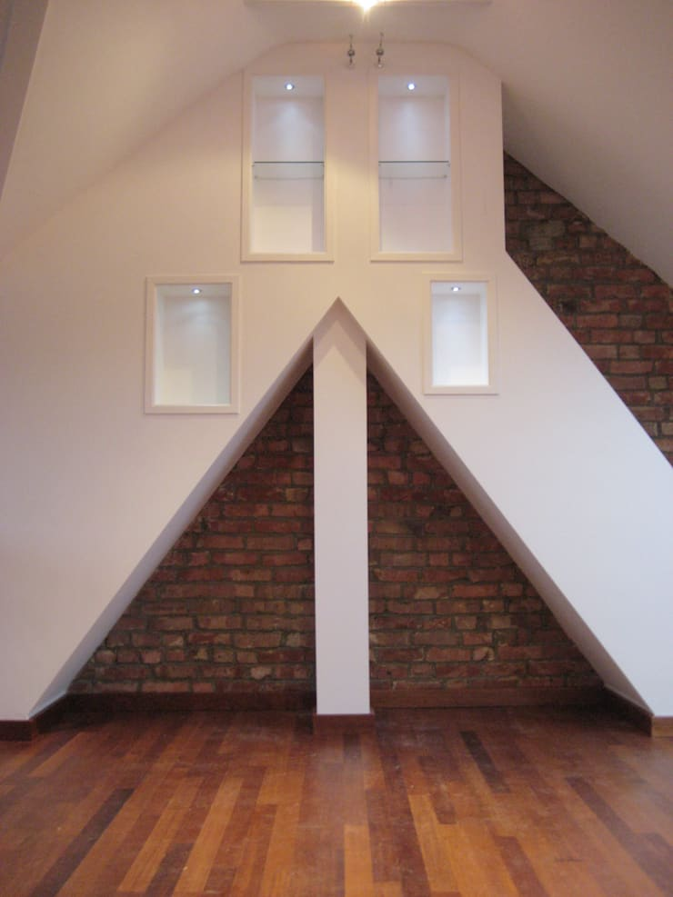 Exposed Brick:  Living room by Arc 3 Architects & Chartered Surveyors