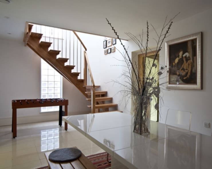 Dining Room & Staircase:  Dining room by Mohsin Cooper Architects