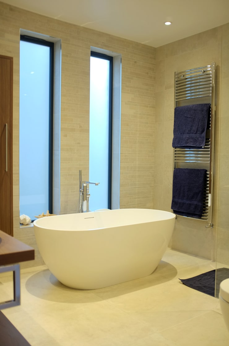 Clapham - Conversion & Refurbishment:  Bathroom by Arc 3 Architects & Chartered Surveyors