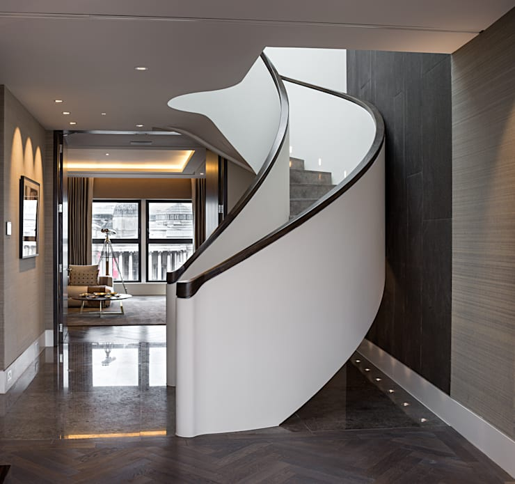 Corredor, hall e escadas  por moreno:masey