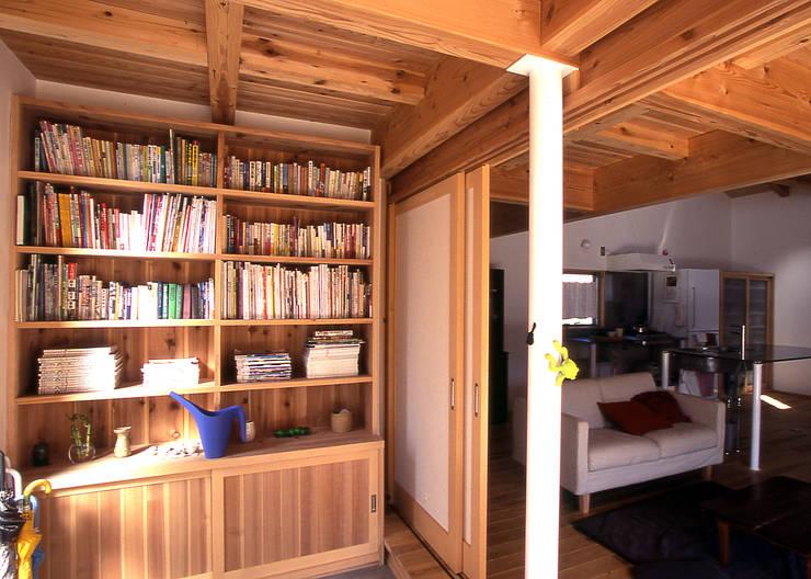 玄関: 稲吉建築企画室が手掛けた和室です。