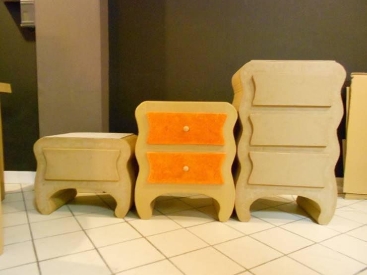 Meubles à tiroir.: Couloir, entrée, escaliers de style  par chouette carton