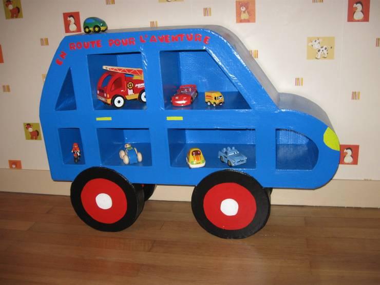 Etagère.: Chambre d'enfants de style  par chouette carton