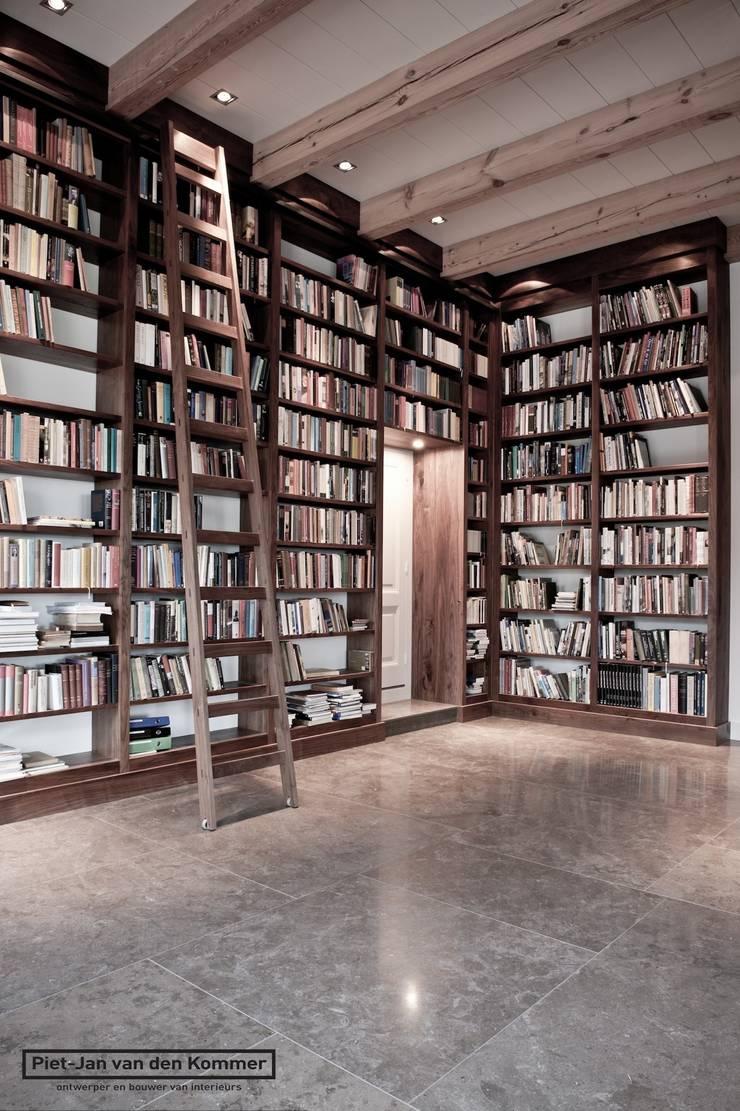 Bibliotheek Woonboerderij:  Mediakamer door Piet-Jan van den Kommer, Landelijk