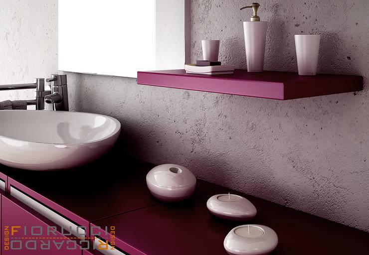 bagno: Bagno in stile in stile Minimalista di riccaro fiorucci
