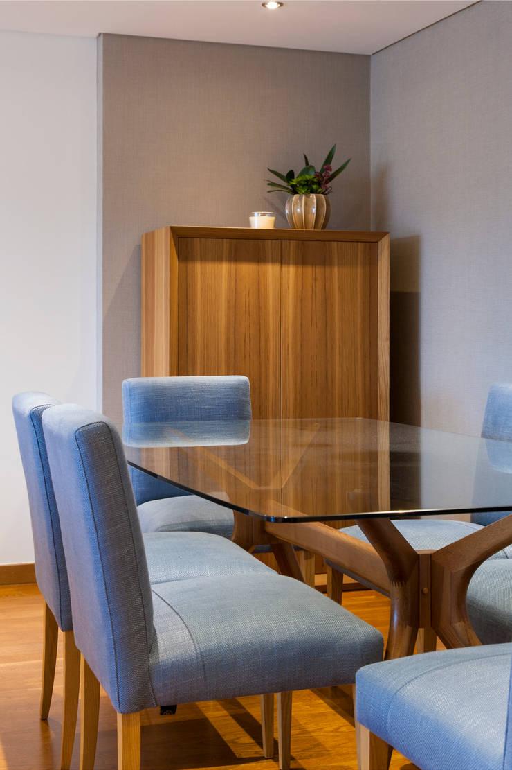 Sala Comum_Zona de Refeições: Salas de jantar  por Traço Magenta - Design de Interiores