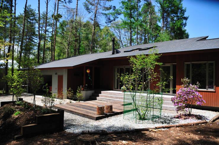 南側外観: 設計工房 悠が手掛けた家です。
