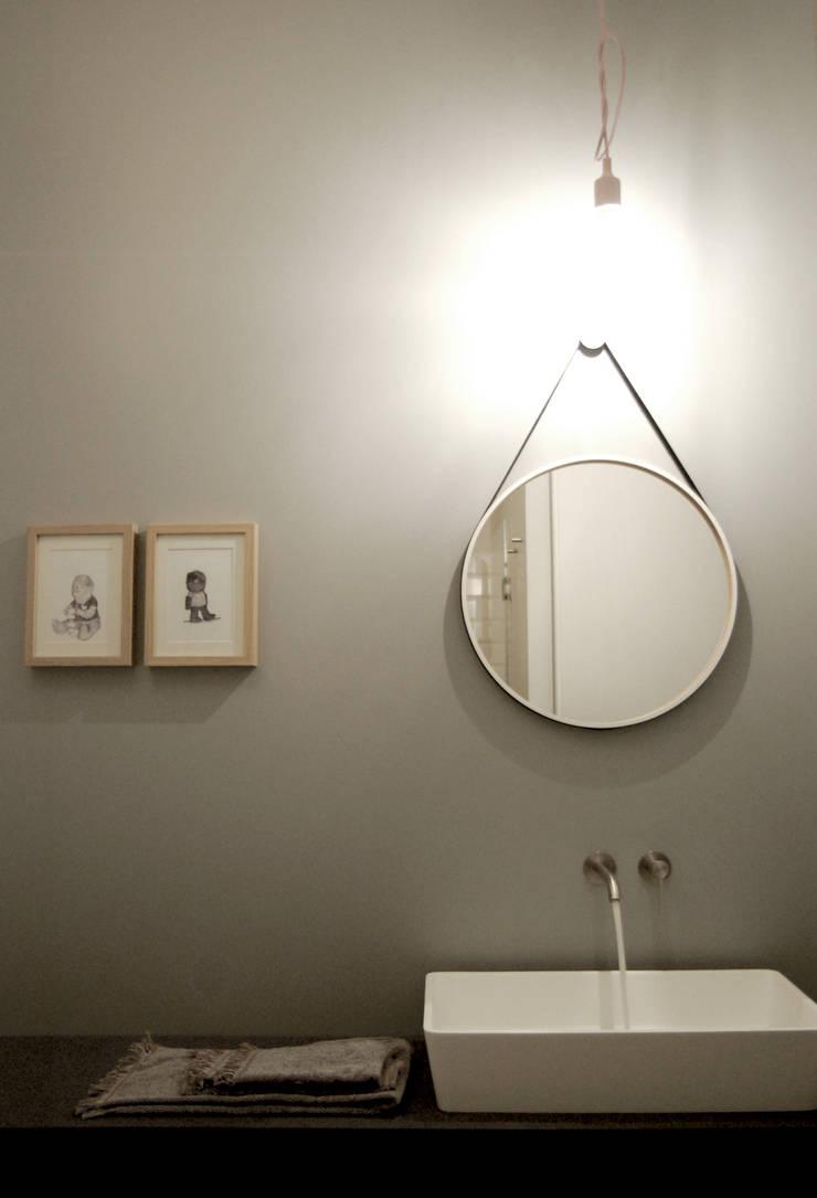Baños de estilo  por Moodern, Escandinavo