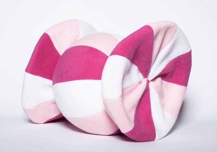 Poduszka cukierek : styl , w kategorii Pokój dziecięcy zaprojektowany przez Pracownia Projektowa Pink Frog