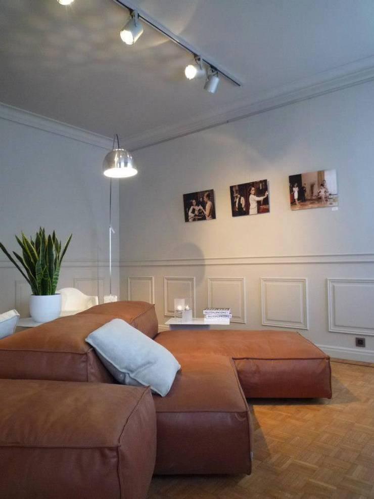 Decoration: Maison de style  par PPM PAPIERS PEINTURES MOSELLANS