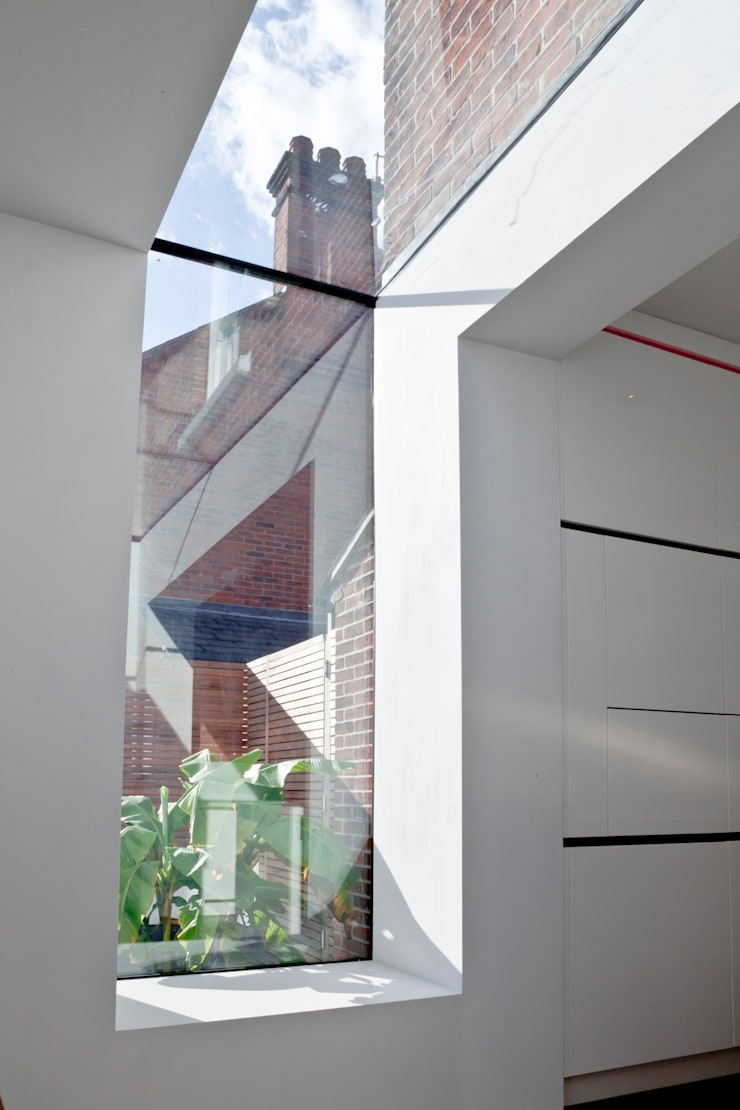 Maldon Road, Exterior:  Windows  by David Nossiter Architects