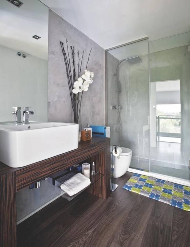 Modern style bathrooms by Disak Studio Modern