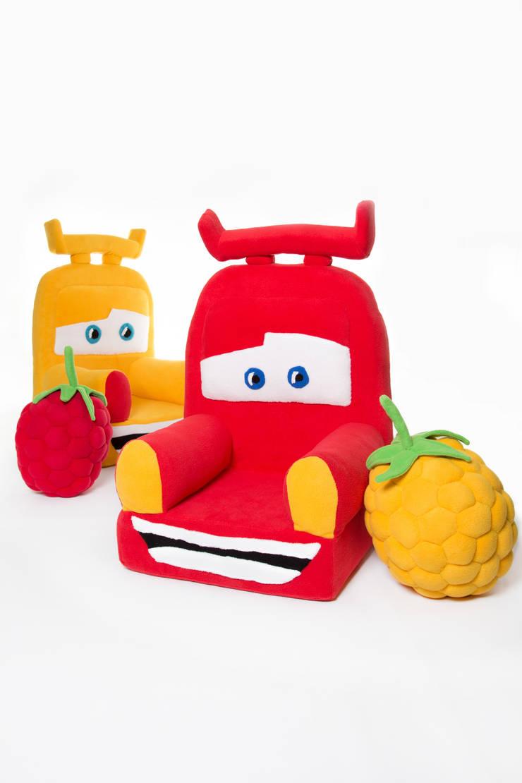 Foteliki i podusie malinki : styl , w kategorii Pokój dziecięcy zaprojektowany przez Pracownia Projektowa Pink Frog