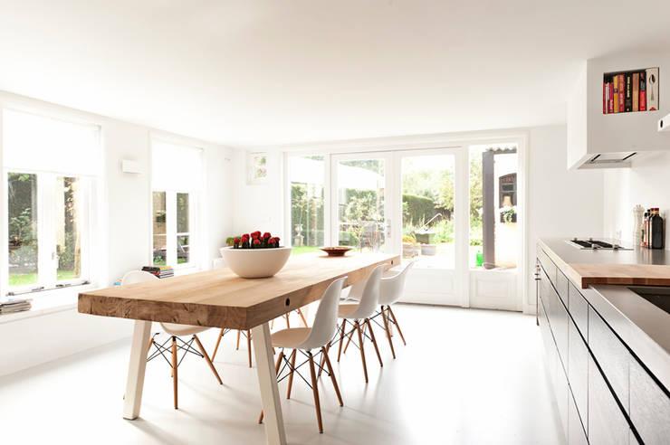 Ontwerp aanbouw leefkeuken:  Eetkamer door Jolanda Knook interieurvormgeving