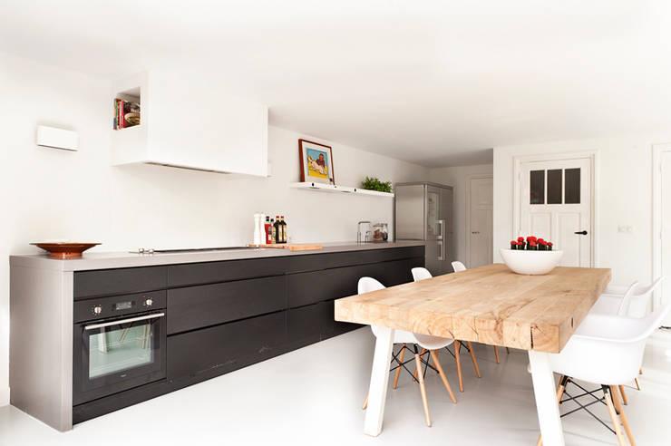 Ontwerp aanbouw leefkeuken:  Keuken door Jolanda Knook interieurvormgeving