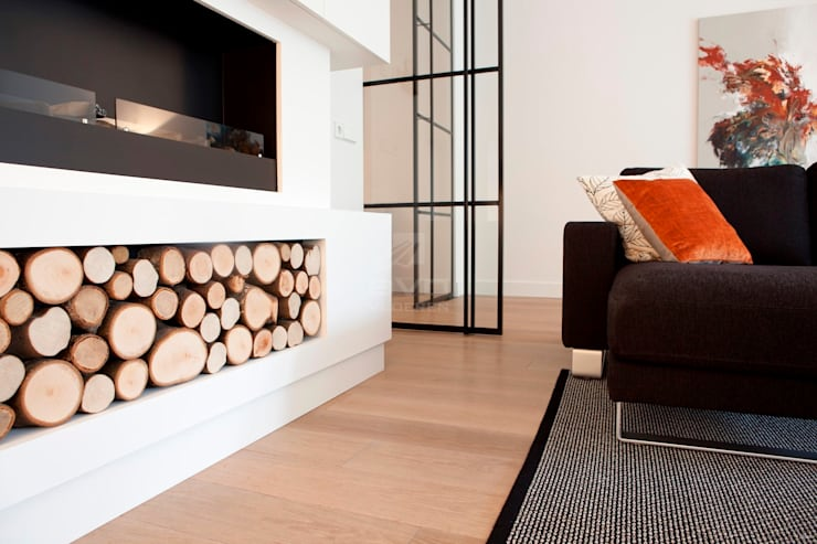 Eiken vloer in woonkamer:  Woonkamer door BVO Vloeren, Modern