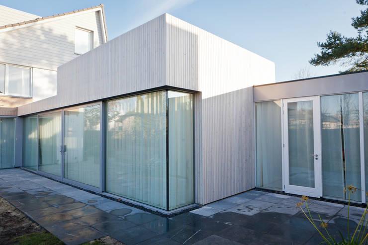 gevel:  Huizen door Benerink Architecten, Modern