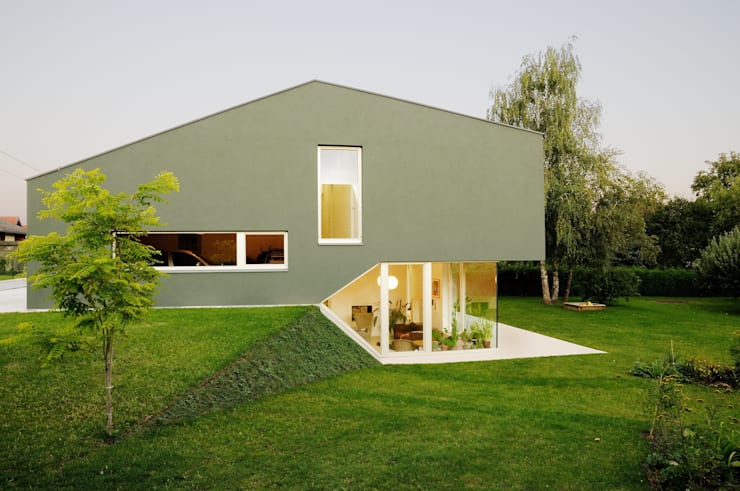 Split-Level:  Häuser von KARL+ZILLER Architektur,Modern