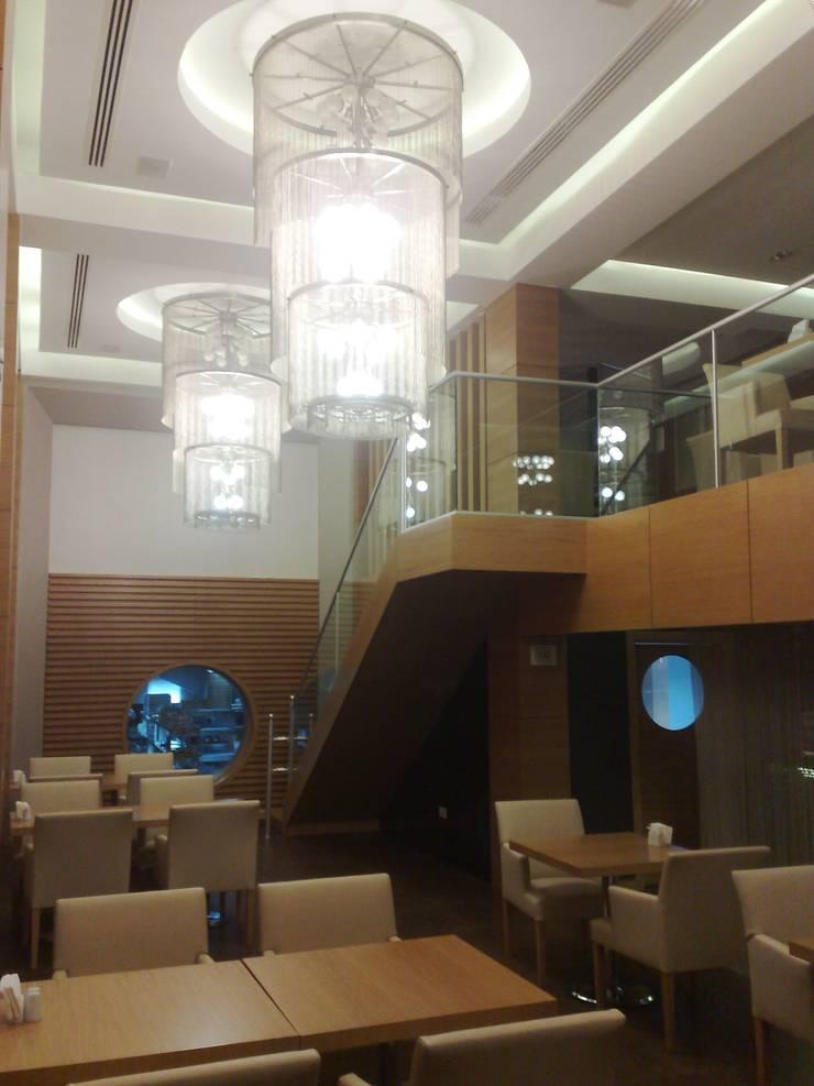 TARKAN OKTAY MİMARLIK – D&B RESTAURANT CAFE BAR – MAĞUSA:  tarz Yeme & İçme