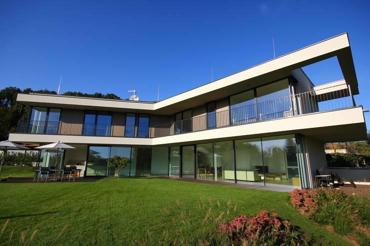 offen zum Garten:  Häuser von KARL+ZILLER Architektur
