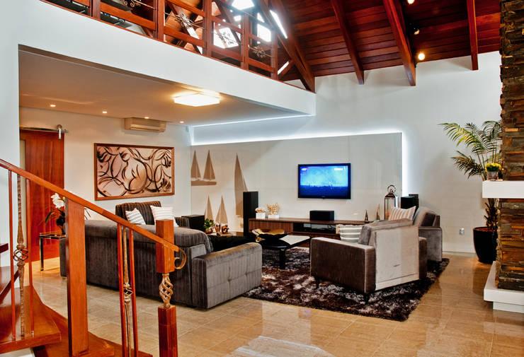 Salas de estilo rústico por ArchDesign STUDIO