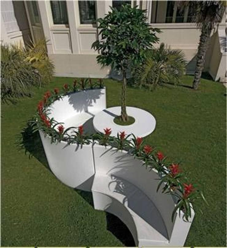 Boog: Jardín de estilo  de Maceteros.es