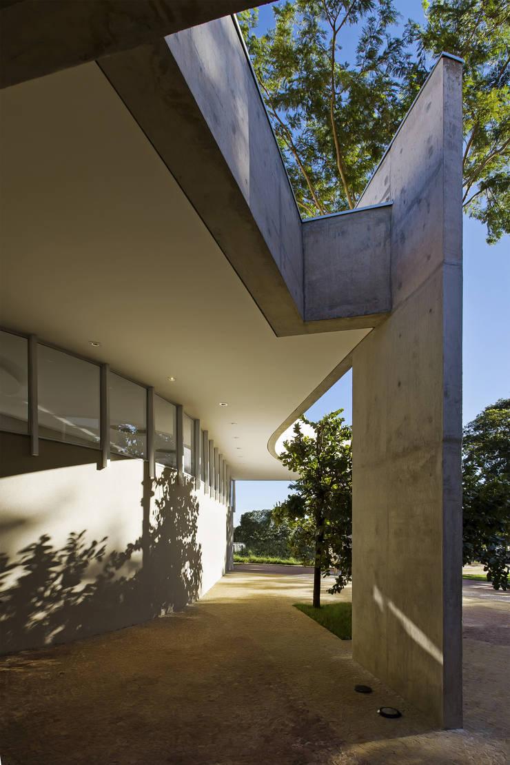 Studio eclettico di JT Arquitetura Eclettico