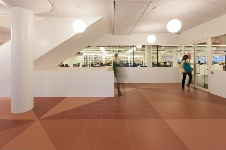 Verticale plein:  Scholen door PUUR interieurarchitecten