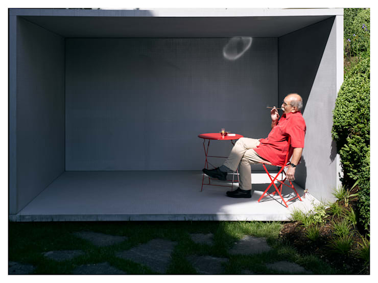 Smoking Pavilion: modern Garden by Gianni Botsford Architects